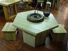 桐製六角テーブル