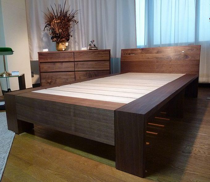 ウォールナット・桐ベッド